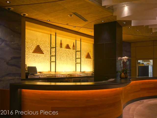 Illuminated Laminated Glass Washi Wall for an Upscale Restaurant's Bar 2